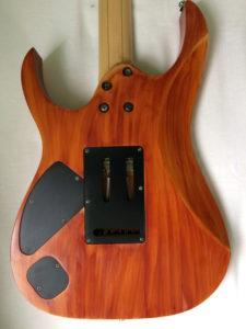 retro body chitarra nitro a tampone