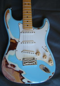 Stratocaster Fender Sonic Blue over Olympic White Heavy Relic